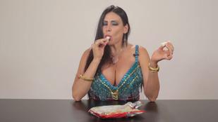 Így tesztelnek pornósok édességeket