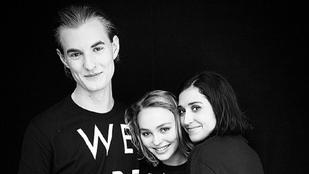 Johnny Depp kiáll a 16 éves lánya mellett, aki a szexuális orientációjáról vallott