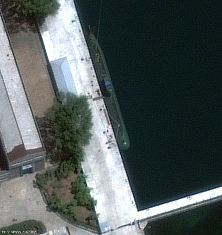 Sinpo osztályú észak-koreai tengerallatjáró a DigitalGlobe felvételén