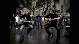 Értelmi fogyatékos gyerekek gitárját lopták el