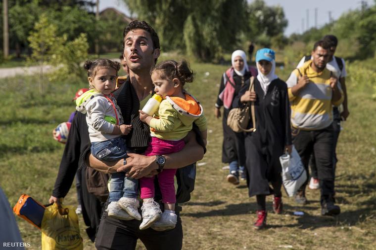 Szír menekültek a szerb-magyar határon, Horgos közelében