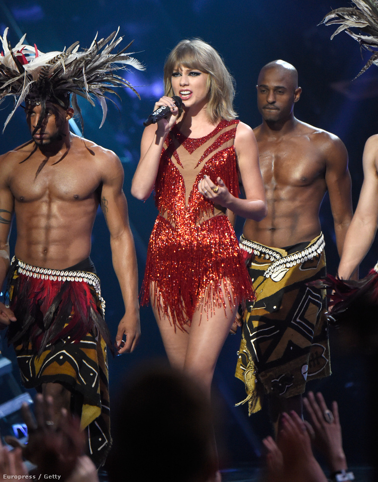 Taylor Swift és táncosai