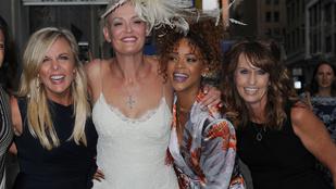 Köntösben ment el Rihanna egy esküvőre
