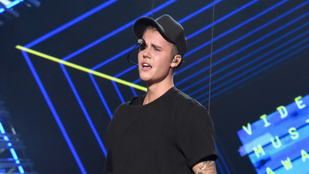 Kiderült, miért bőgött Justin Bieber a VMA-n