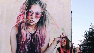 Ez a magyar lány azokat a cetliket gyűjti, amiket mások eldobnak az utcán