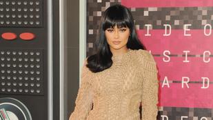 Kylie Jenner élete csupa szenvedés