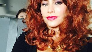 Sofia Vergara egyszerűen tökéletes Peggy Bundy