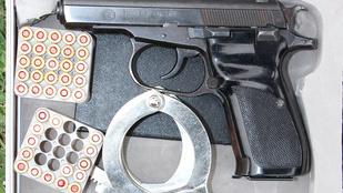 Fegyverek voltak a drogos férfi csomagtartójában