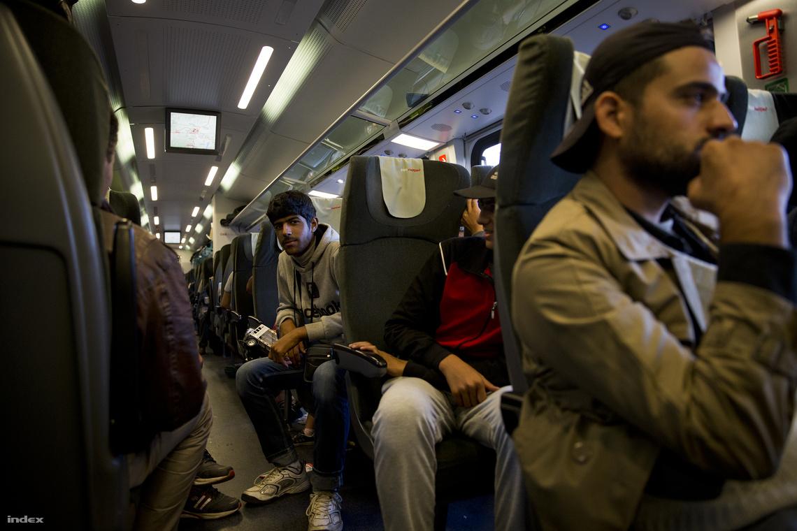 Két kocsit különítettek el a menekülteknek a Budapestről Münchenbe tartó railjeten.
