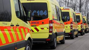 Három mentőt rázott meg az áram