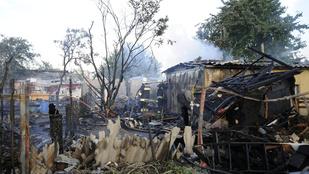 Két raktárban is nagy tűz volt