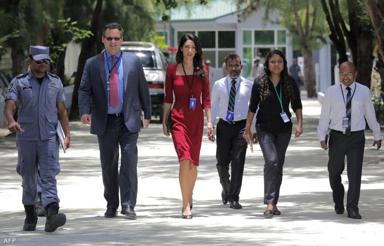 Amal Clooney és csapata a Maldív-szigeteken