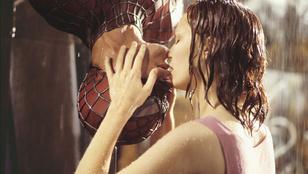 Ezek a celebek undorítóan csókolóznak