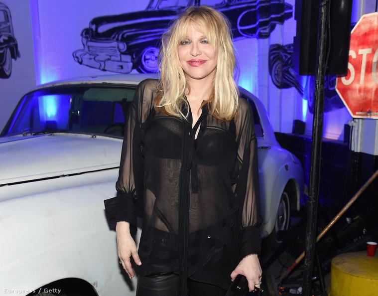 És még egy hasonló szett, csak ez Courtney Love-on!