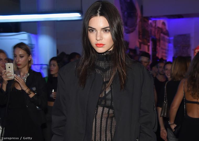 Kendall Jenner szintén feketében tolta