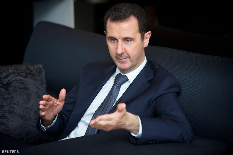 Hivatalosan Aszad mellett álltak