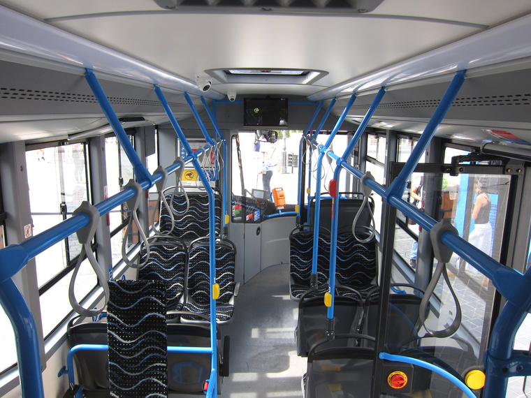 A busz elejébe szerencsésebb lett volna 2+1 üléselrendezés