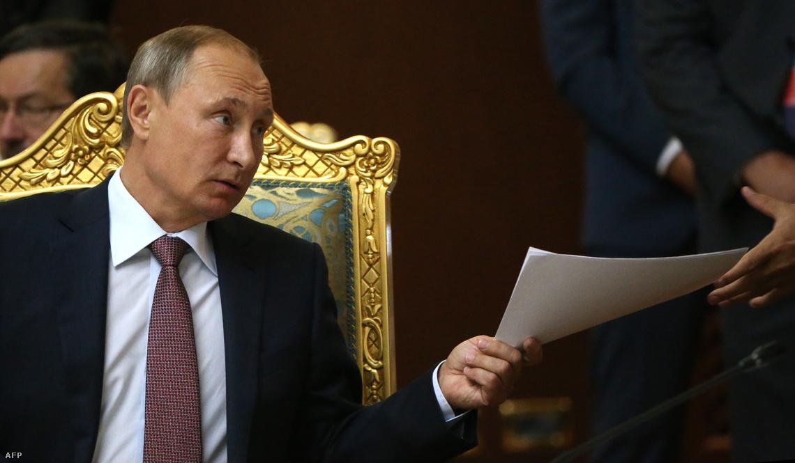 Putyin a keddi bejelentését megelőző konferencián