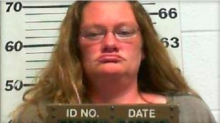 Ez a nő halálra itatta a gyerekét