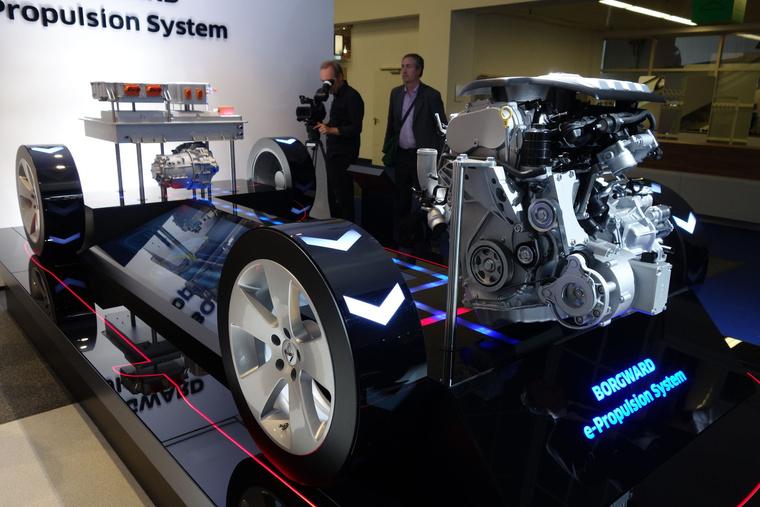 Elméletileg készen van a Siemens-koprodukcióban tervezett hibrid hajtáslánc is