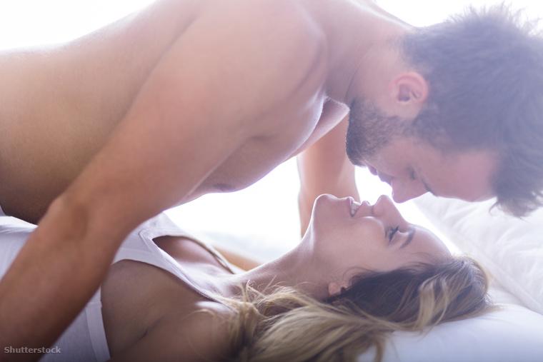 Nő csinál orális szex