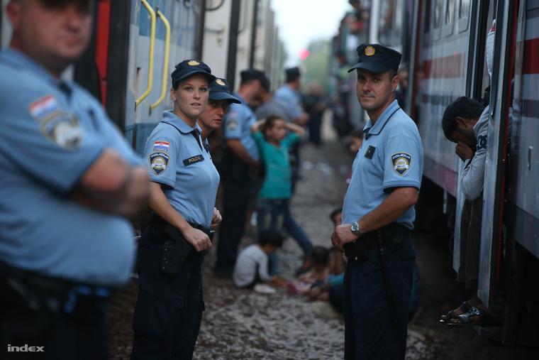 Horvát rendőrök