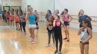 Gyerekek táncóráján cukiskodott Britney Spears