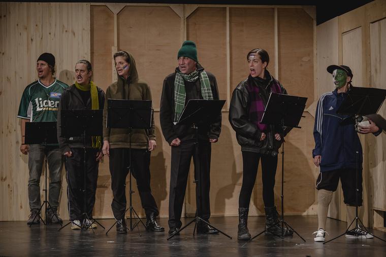 Instant - hírszínház a Katona József Színház nagyszínpadán.