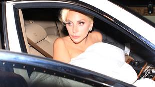 Mikor látta utoljára Lady Gaga mellbimbóit?