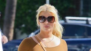 Lehetlen eldönteni, hogy Britney Spears vagy Jessica Simpson a jobb nő