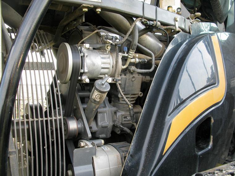 15,8 literes, hathengeres Caterpillar dízelmotor