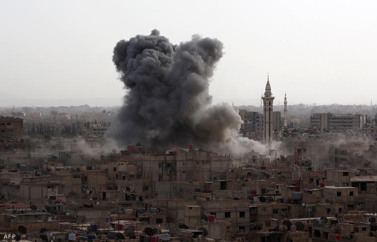 A szír kormányerők lázadókat bombáznak Damaszkuszban, 2015. szeptember 16-án