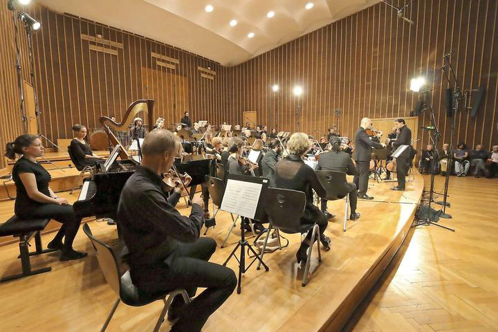 A Syrian Expat Philharmonic Orchestra koncertje